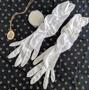 Vintage Gathered Gloves